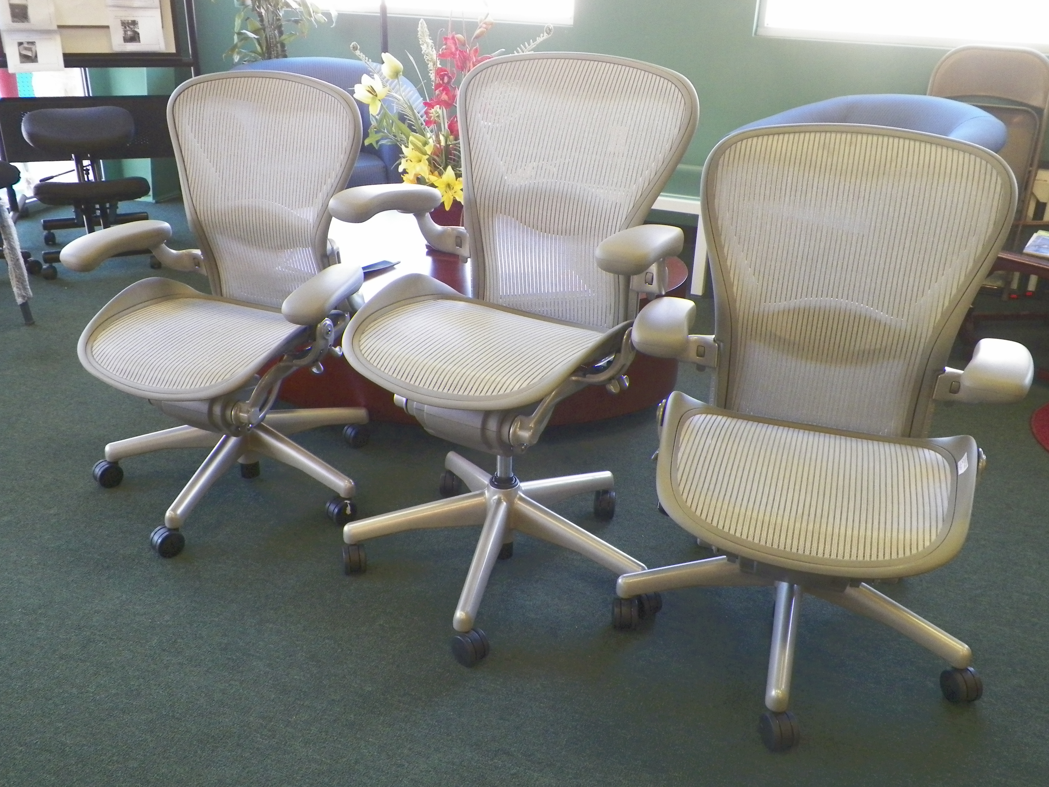 hon mesh back task chairs excellent condition qty 14 i35 location 195 each click to email on this item